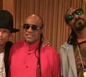 Snoop Dogg & Pharell – Bush (Mars 2015)