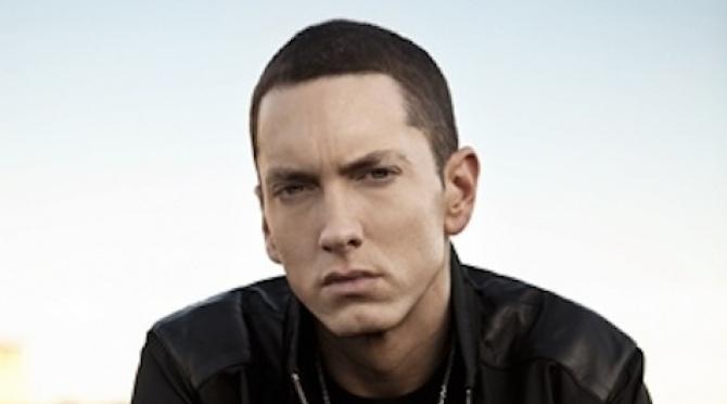 Eminem-le-premier-rappeur-double-disque-de-diamant_w670_h372